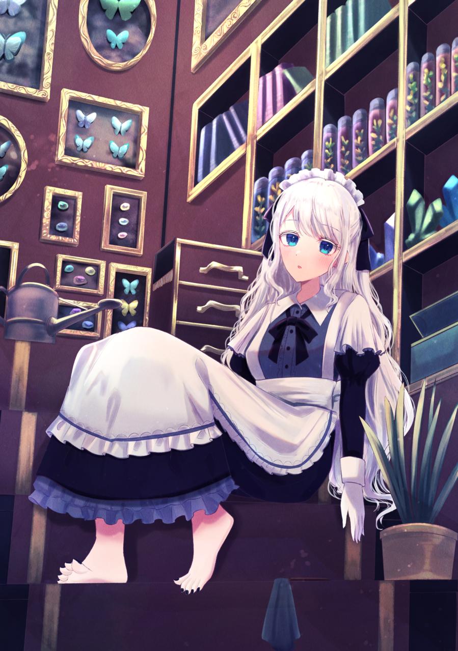無気力メイドさん Illust of じゅにねう original maid white_hair girl